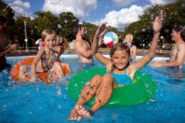 Come preparare una piscina autoportante Fast Set di Bestway
